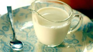 A helpful Buttermilk Substitute when you don't have any on hand. From TheGraciousWife.com #food #recipe #hack