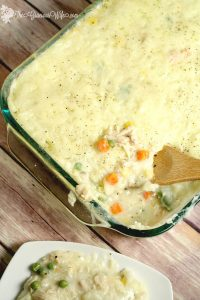 Chicken Shepherd's Pie Recipe- a delicious combination of Chicken Pot Pie and Shepherd's Pie, all in one tasty dinner. Perfect dinner idea recipe for family and gatherings