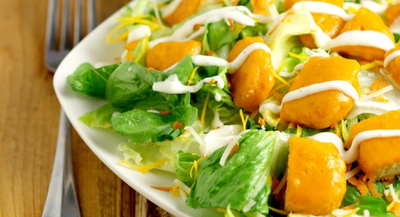 Buffalo Chicken Salad Recipe - an easy salad recipe with buffalo chicken tenders. Super tasty lunch idea, or even dinner salad!