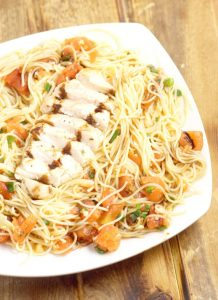 Bruschetta Chicken Pasta Recipe - an easy bruschetta pasta recipe that the whole family will love for dinner, topped with grilled chicken. The balsamic glaze really makes this fantastic pasta dish!