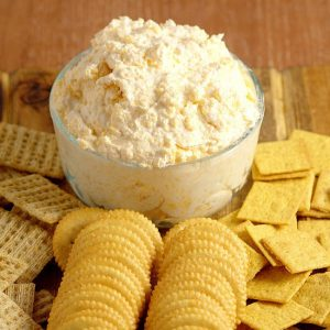 Ranch Cheddar Beer Dip - Perfect for a party and football games, this Ranch Cheddar Beer Dip has creamy ranch and cream cheese mixed with the bite of sharp cheddar and bitter beer to make an outstanding drool-worthy dip recipe! Super easy dip recipe and appetizer recipe, and super yummy too!