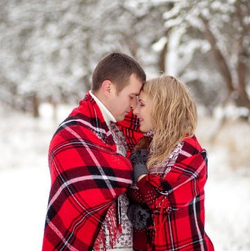 Winter Date Night Ideas.  Don't let the chilly weather put out your flames! Keep the fire burning and the romance alive with these 14 Winter Date Night Ideas! These are cute for Valentine's Day dates too! | marriage | love