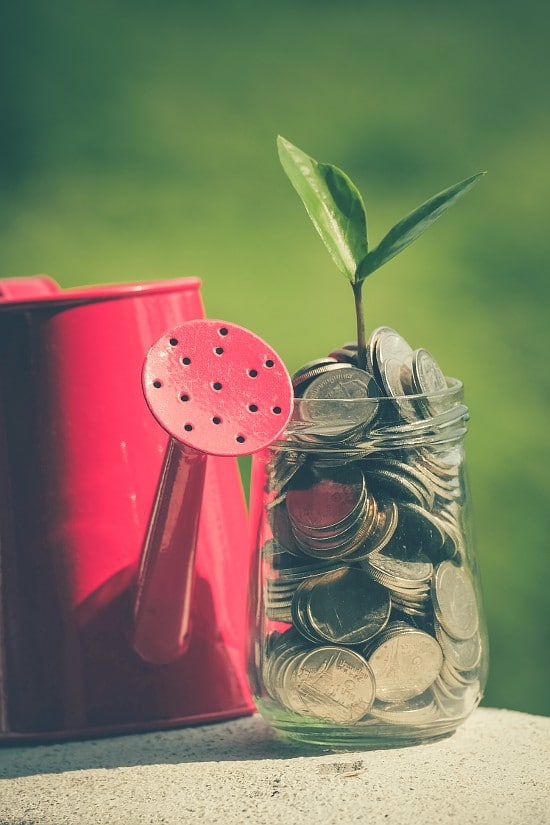 Tips to help you save more money. Start putting your money where you really want it (and need it!) with these 4 Ways to Motivate You to Save More Money. | save money | frugal living