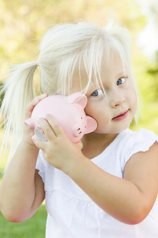 Teaching kids about money when they're young will have a huge effect on their money management later in life. Start them off on the right foot with these 10 Tips for Teaching a Preschooler about Money. | parenting | kids | preschoolers