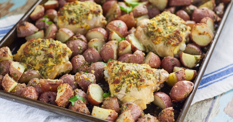 One Pan Garlic Chicken and Potatoes is a perfect easy family dinner recipe.  Easy, savory One Pan Garlic Roasted Chicken and Potatoes is a full meal, roasted in the oven all at once. So easy and equally delicious! Wow! This looks fabulous! 11 Cheap Meals with Potatoes - You can save money by making some frugal meals to stretch your food and your money with these 11 yummy and filling Cheap Meals to Make with Potatoes. Frugal living and saving money with these frugal meals with potatoes. They're sooo good too!