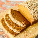 Pumpkin Bread with Cinnamon Oat Topping Recipe - Warm and fragrant Pumpkin Bread with Cinnamon Oat Topping is the best easy pumpkin bread recipe you can find. Plus it's made with a cinnamon oat streusel topping!
